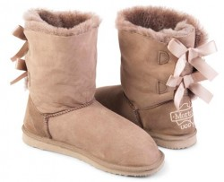 Classic Bow Ugg
