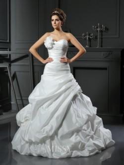 Baile Sem Mangas Cetim Coração Cauda Catedral Flores Feitas à Mão Vestido de Casamento