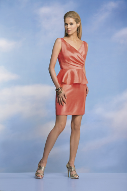 US$136.99 2015 Zipper Up V-neck Sleeveless Satin Appliques Orange Lace Short