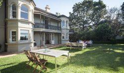 5 Bedrooms Beachfront Villa in Sydney, Bronte Beach, Australia